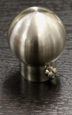 Ball finials for extendable curtain rods